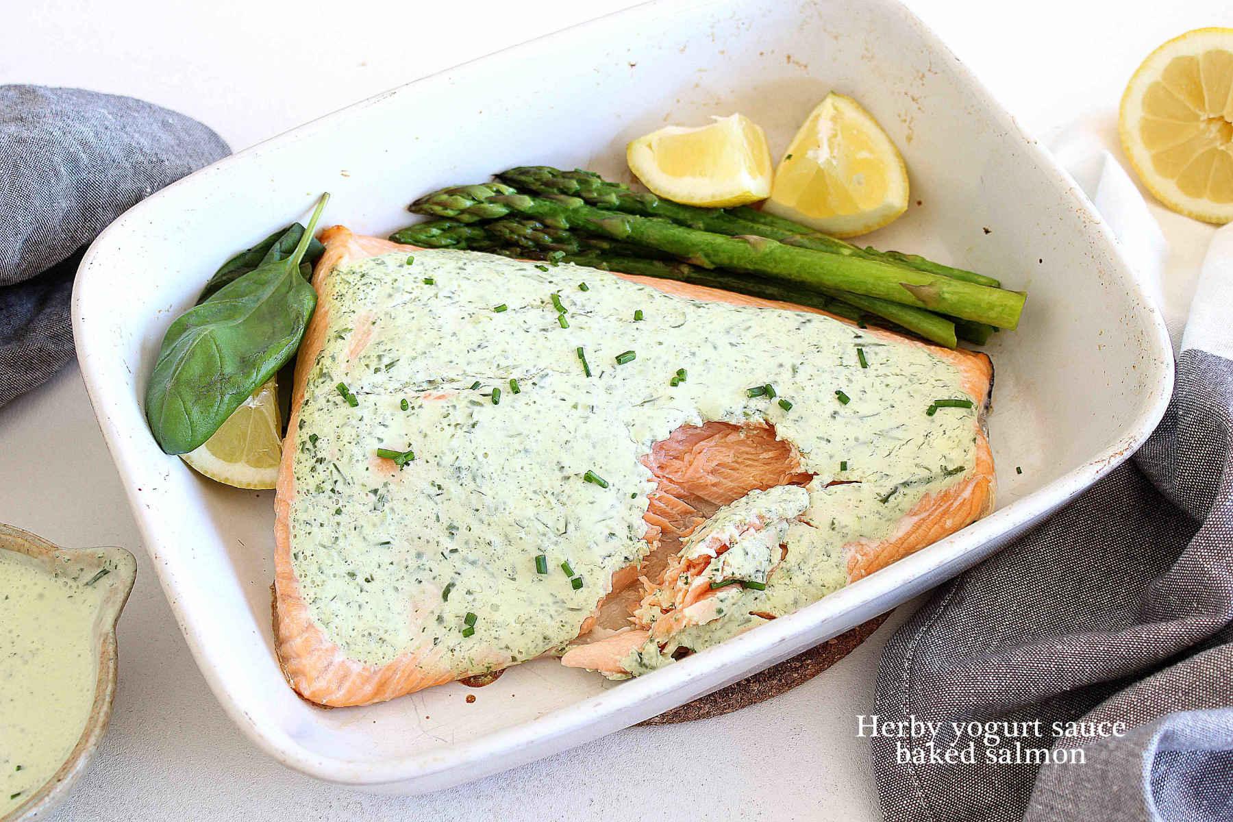 Herby yogurt sauce baked salmon