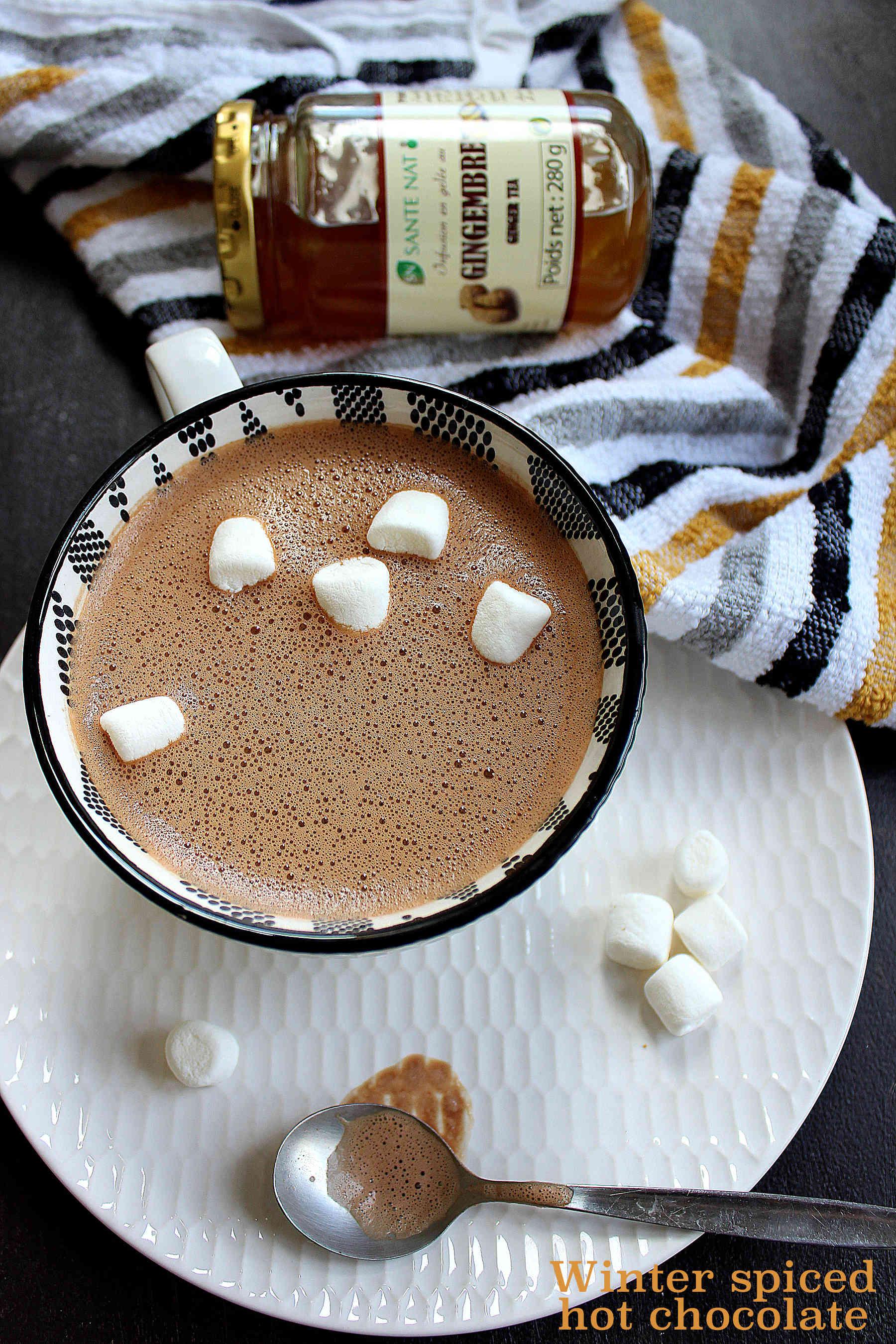 Chocolat chaud d'hiver à l'infusion de gingembre