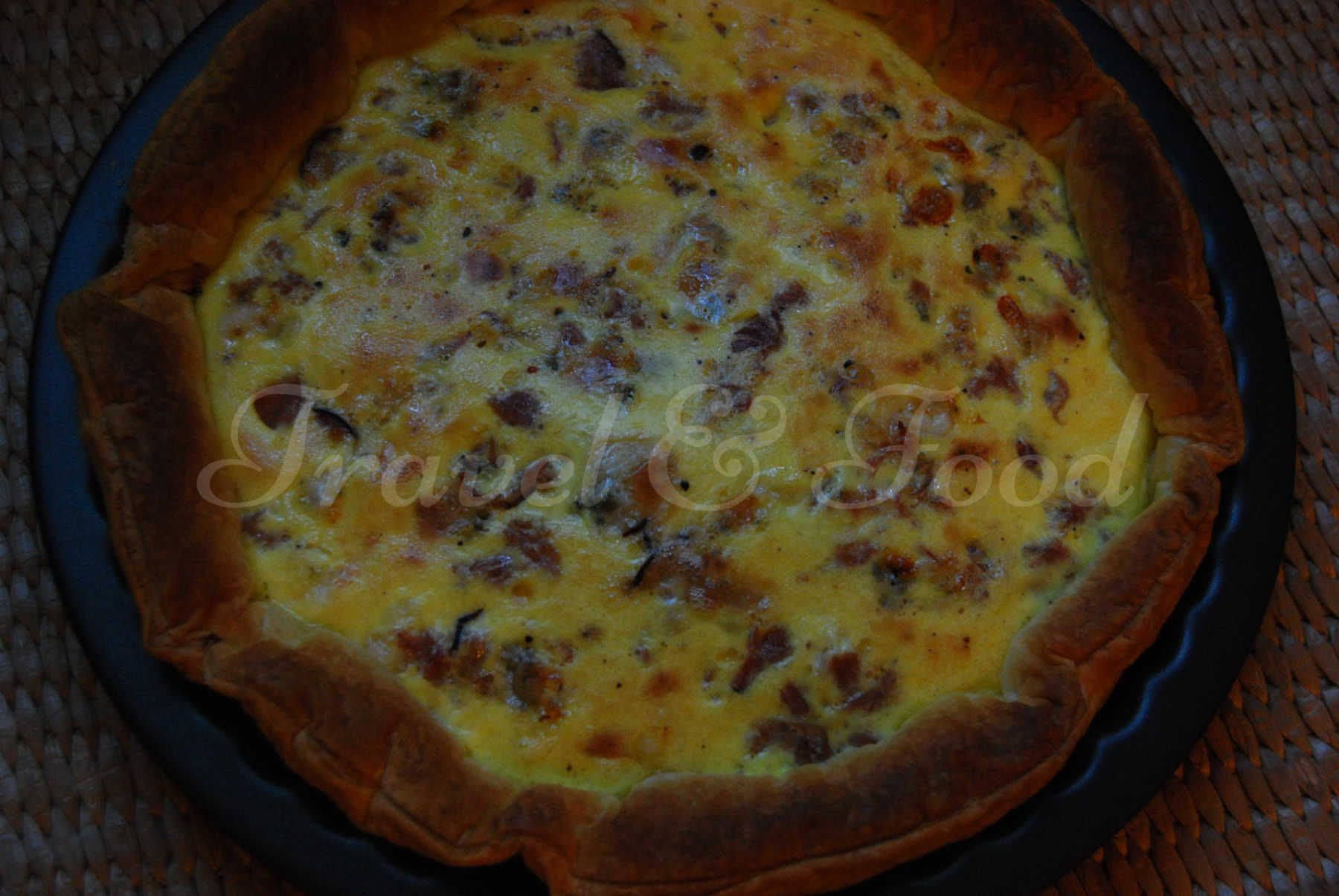 Gorgonzola and smoked ham quiche