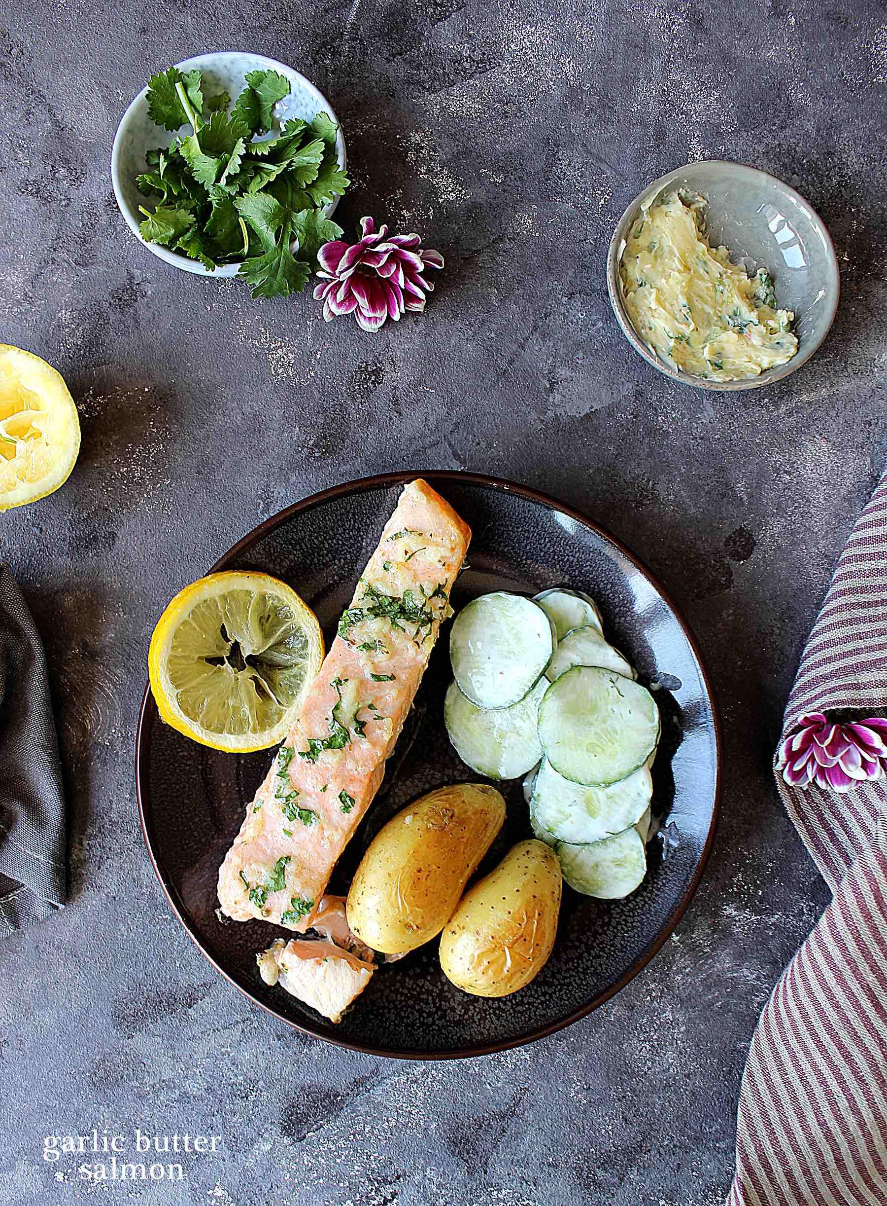 Saumon au beurre d'ail