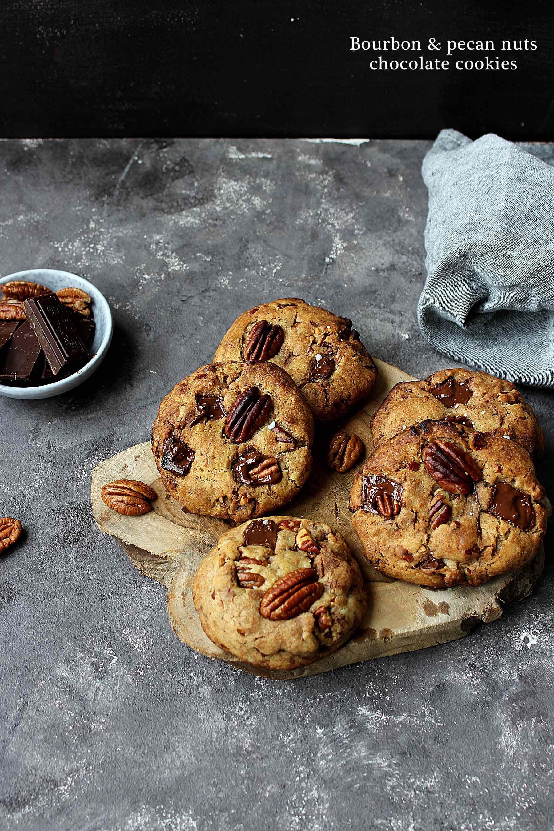 Bourbon & pecans chocolate cookies