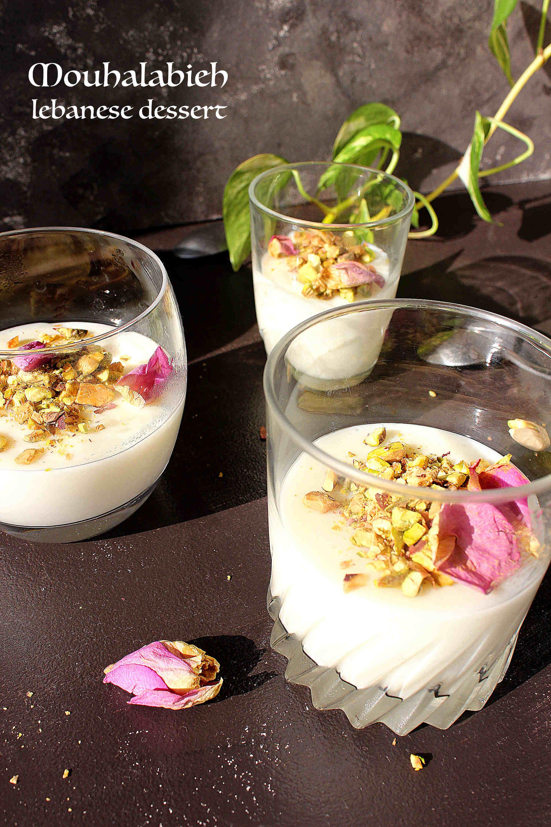 Mouhalabieh, la crème à la fleur d'oranger venue du Liban