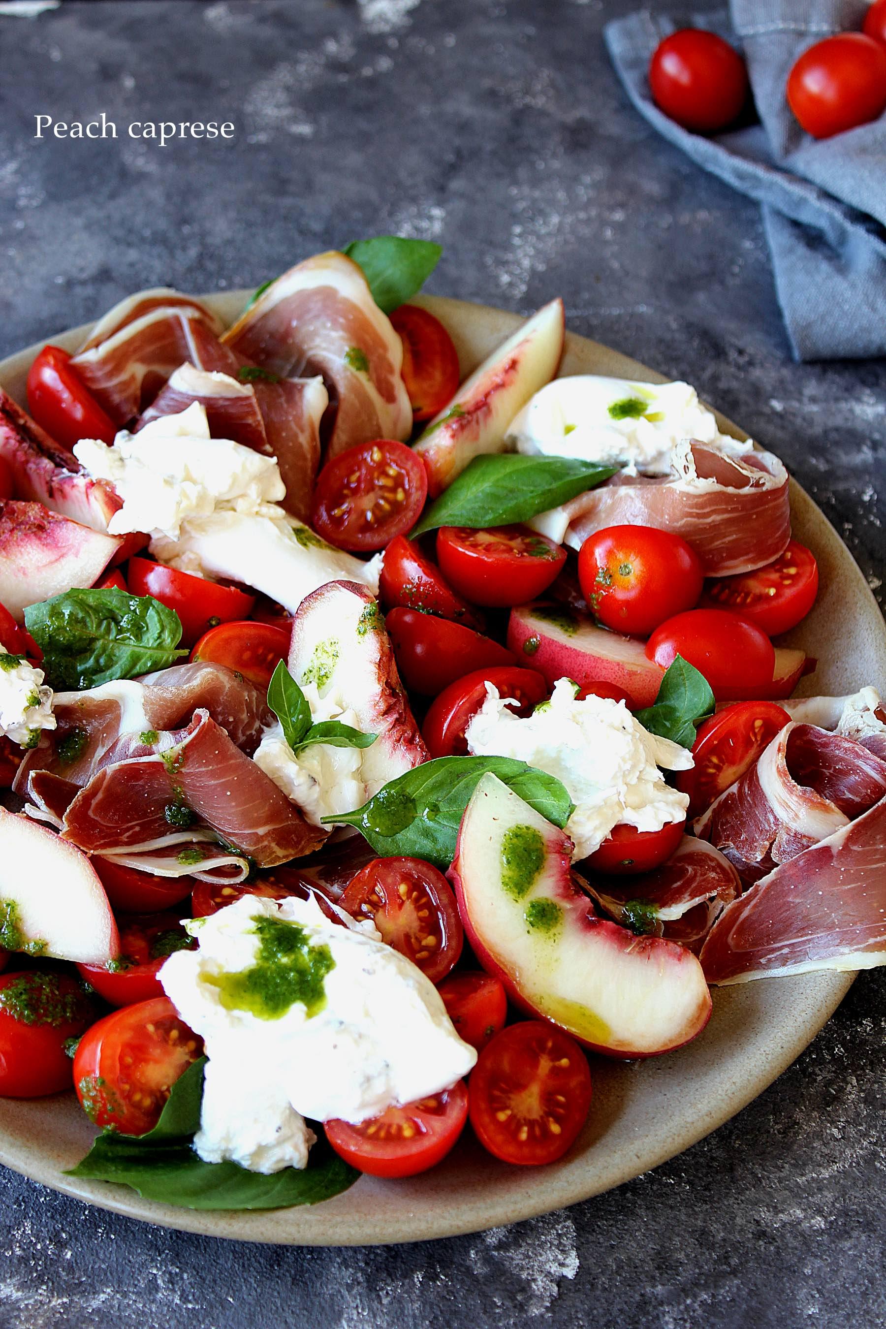 Salade caprese gourmande aux pêches