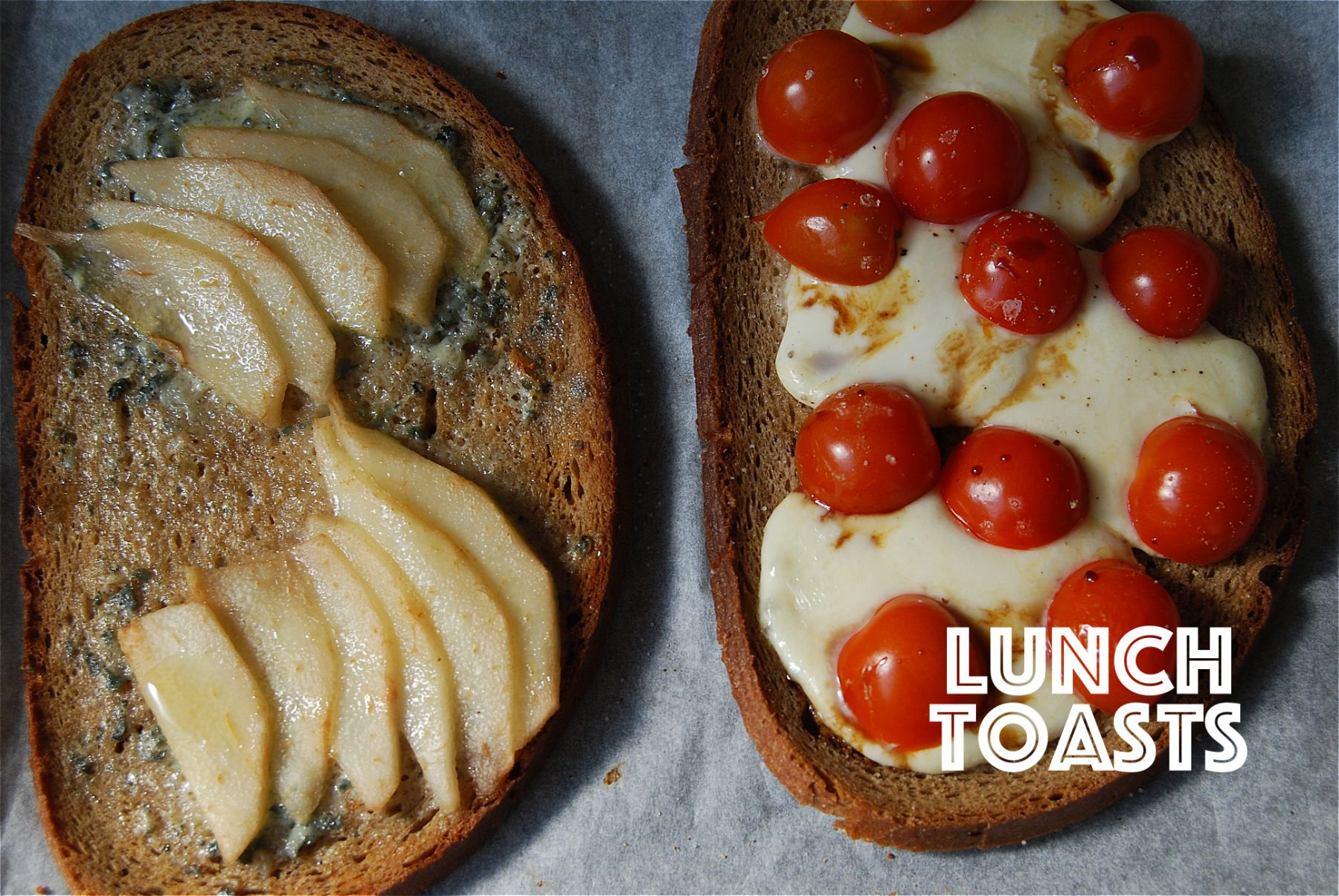 Tartines tomates-mozzarella-balsamique et St Agur-poires-miel