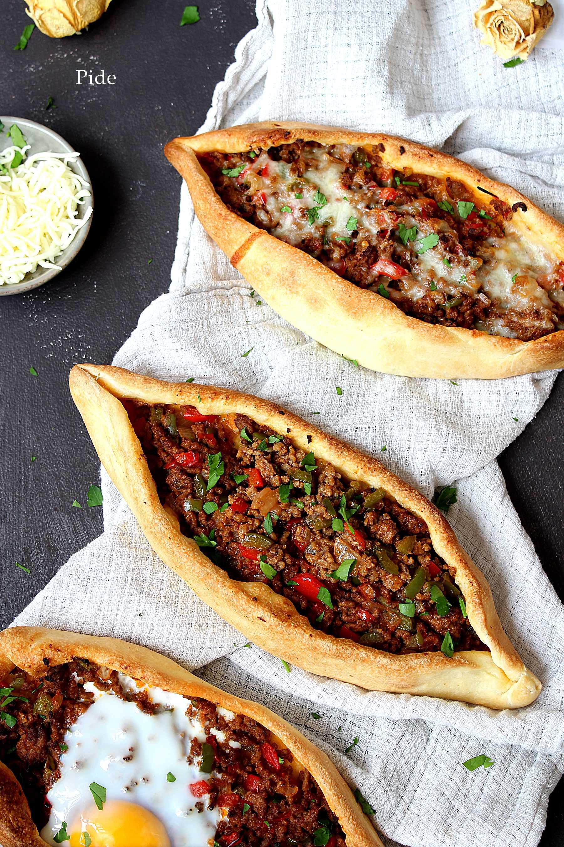 Pide, la pizza turque à la viande hachée
