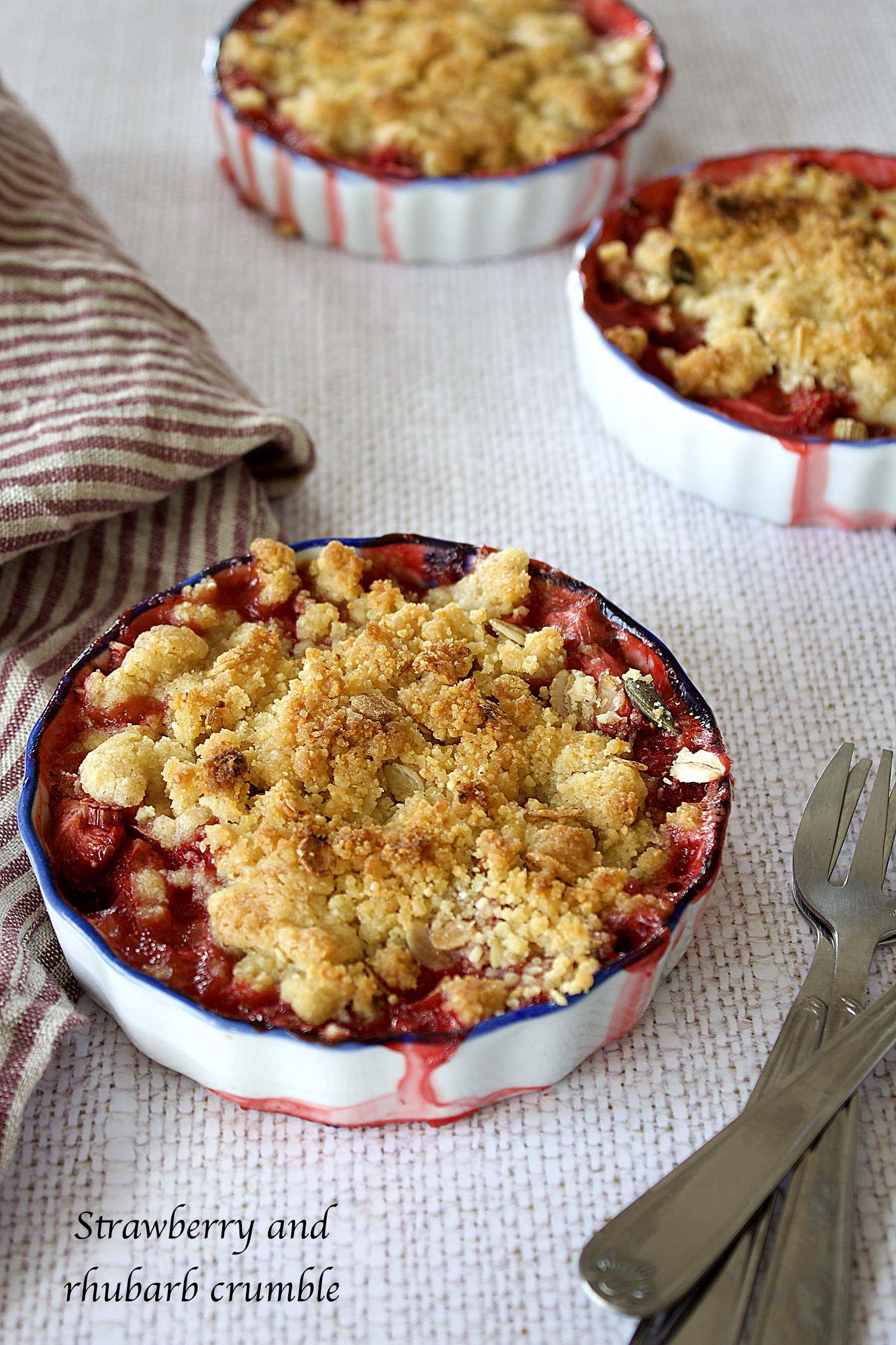 Strawberry and rhubarb crumble